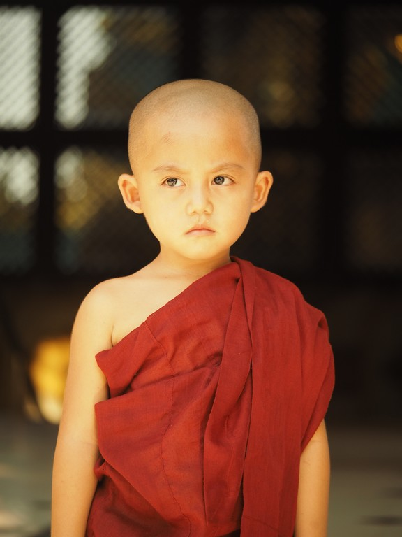 Enfant moine bouddhiste