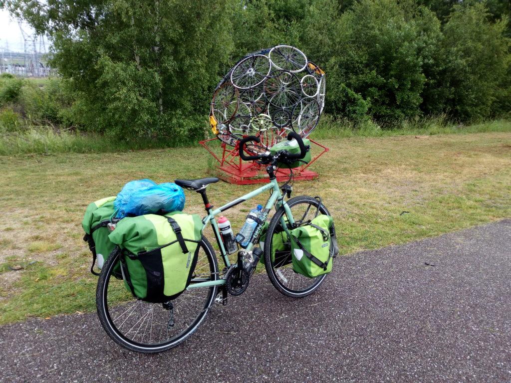 Vélo au bord de la route