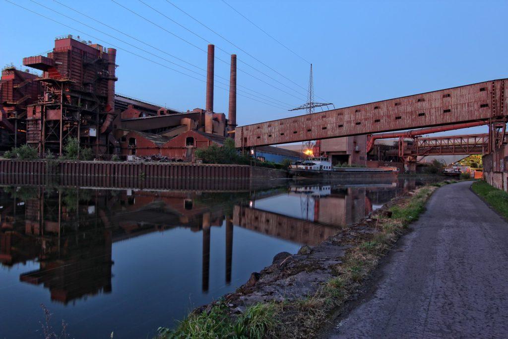 usines rouillées bord de Sambre