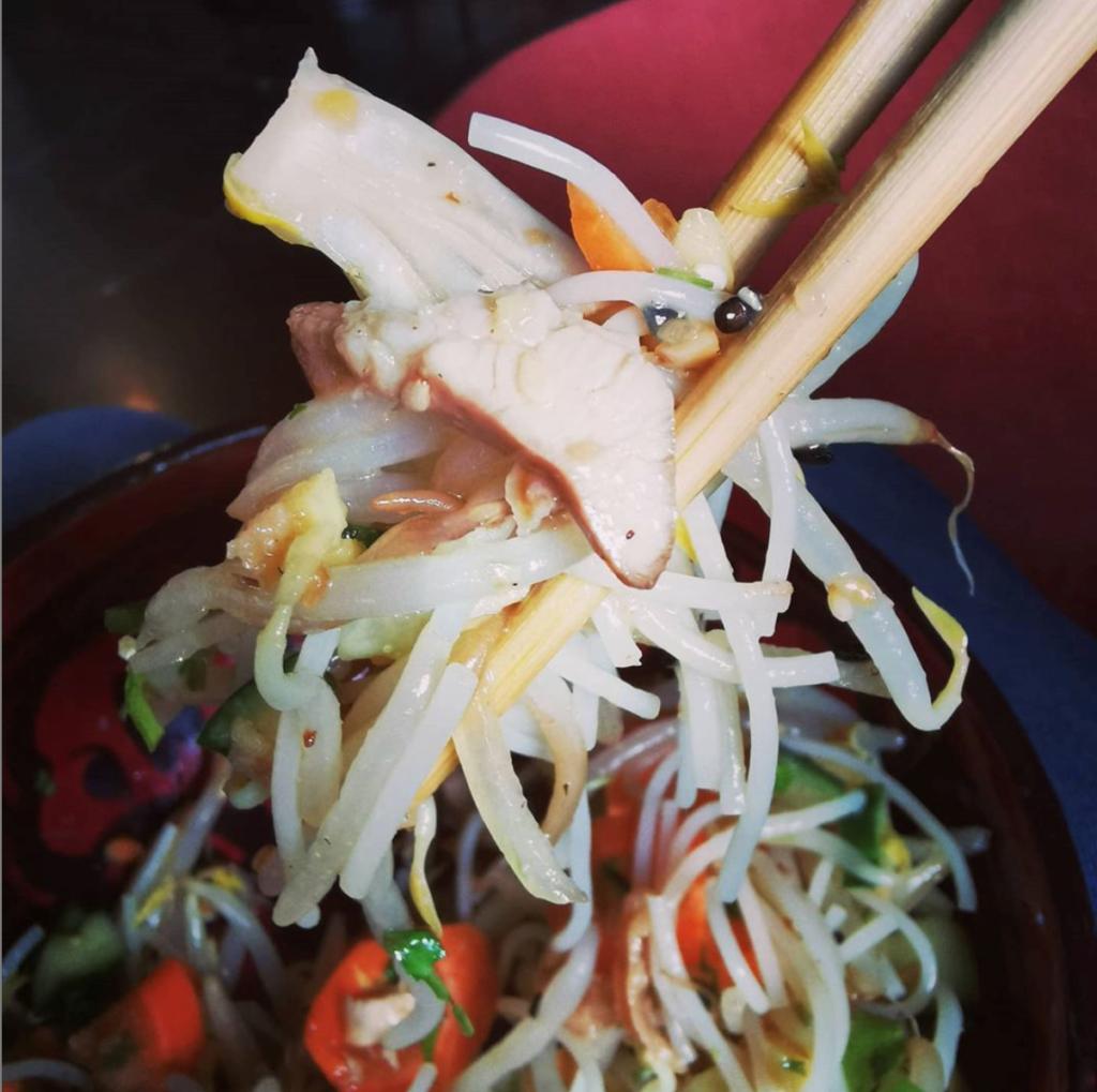 Nouilles asiatiques poulet crevette légume