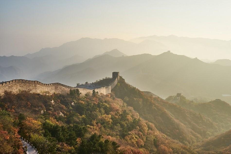 muraille de chine arbres montagnes