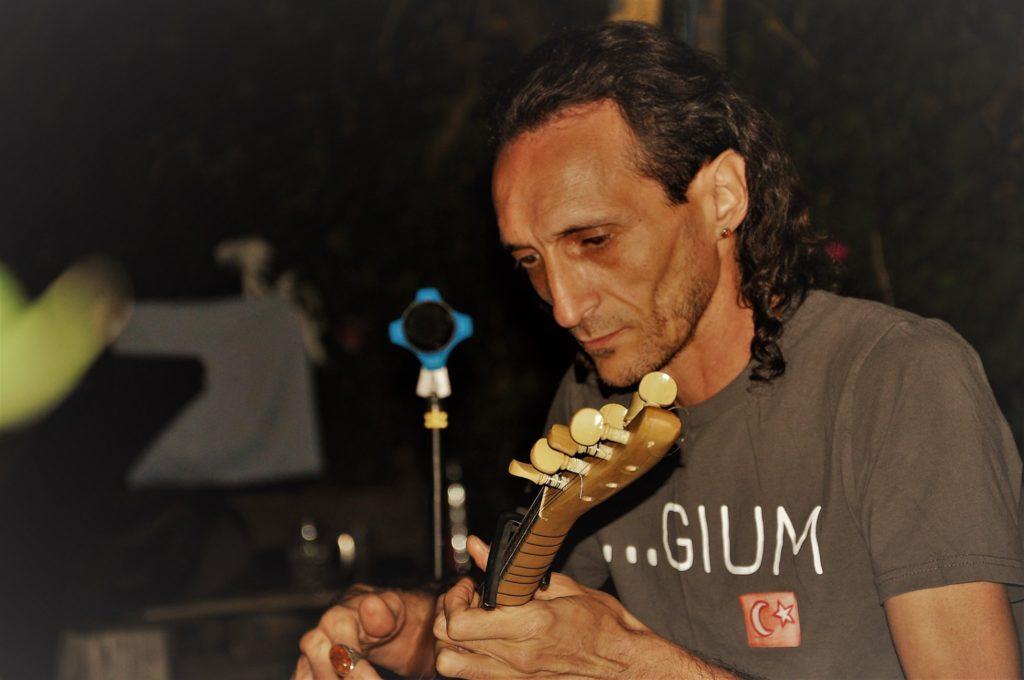 Shems guitare orientale
