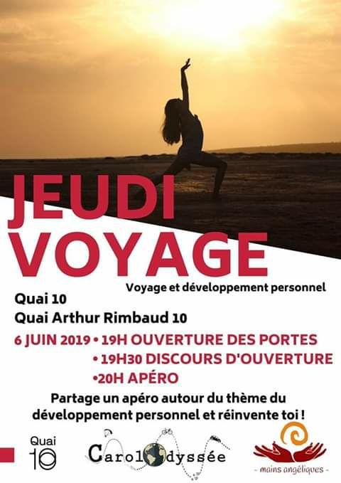 Affiche jeudi voyage femme yoga plage coucher soleil