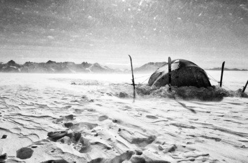 Tente au milieu neige banquise