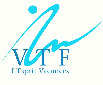 Logo VTF l'esprit vacance. Ecriture bleue, trait bleu turquoise derrière