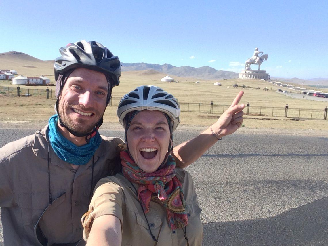 Claire thibaut casquette vélo paysage Mongolie