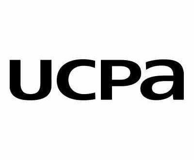logo écriture ucpa en noir sur fond blanc